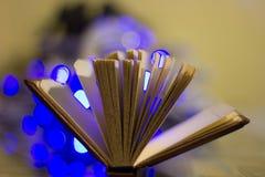 abra el fondo del bokeh del libro foto de archivo libre de regalías