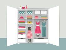 Abra el guardarropa Armario blanco con ropa, camisas, suéteres, cajas y zapatos ordenados Interior casero libre illustration