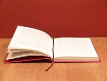 Abra el libro foto de archivo libre de regalías