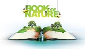 Abra el libro con la naturaleza verde Fotos de archivo