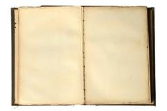 Abra el libro de la vendimia con las paginaciones en blanco