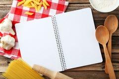 Abra el libro en blanco de la receta, cierre Imagen de archivo libre de regalías