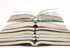 Abra el libro en fondo Fotografía de archivo