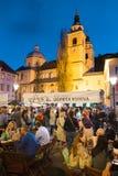 Abra el mercado de la comida de la cocina en Ljubljana, Eslovenia Imagen de archivo