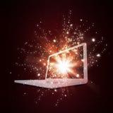 Abra el ordenador portátil con la luz y las estrellas el caer mágicas ilustración del vector