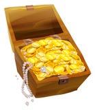 Abra el pecho viejo con las monedas y las perlas de oro Piratee el pecho de tesoro Fotografía de archivo libre de regalías