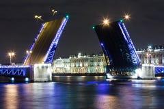 Abra el puente del palacio Fotos de archivo