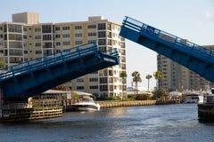 Abra el puente levadizo Foto de archivo libre de regalías