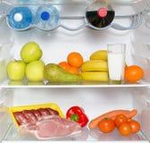 Abra el refrigerador por completo de frutas Fotografía de archivo libre de regalías