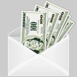 Abra el sobre con las cuentas de dólar Imagen de archivo libre de regalías