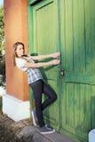 Abra el verde de la puerta Imágenes de archivo libres de regalías