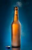 Abra a garrafa de cerveja foto de stock royalty free