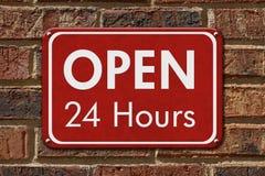 Abra 24 horas de sinal Fotos de Stock Royalty Free