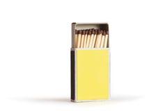 Abra la caja de fósforos amarilla foto de archivo