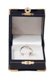 Abra la caja de joya con el anillo Fotografía de archivo libre de regalías