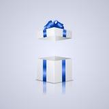 Abra la caja de regalo Foto de archivo libre de regalías
