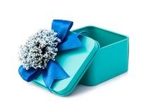 Abra la caja de regalo azul clara Foto de archivo libre de regalías