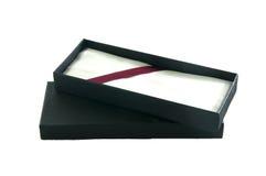 Abra la caja de regalo vacía del negro plano Imagen de archivo