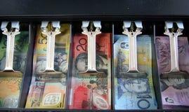 Abra la caja registradora con el dinero en circulación australiano: notas Fotografía de archivo libre de regalías