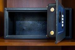 Abra la caja segura vacía imagenes de archivo