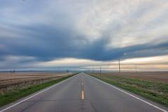Abra la carretera en la puesta del sol imagen de archivo libre de regalías