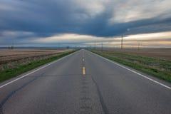 Abra la carretera en la puesta del sol fotos de archivo libres de regalías