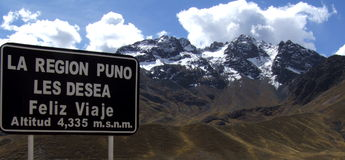 Abra La Raya, hoogte 4.335 m, Puno-Gebied, Peru Royalty-vrije Stock Foto's