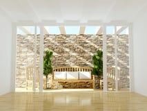 Abra la terraza con muebles de madera. Fotos de archivo