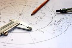 Abra los dibujos con un lápiz El dirigir y diseño Fotos de archivo libres de regalías
