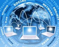 Abra los ordenadores portátiles contra la tierra y las palabras del negocio ilustración del vector