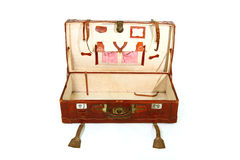 Abra a mala de viagem velha Imagens de Stock Royalty Free