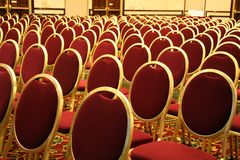 Abra o assento em um auditório fotos de stock royalty free