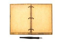 abra o caderno uma pena de fonte velha fotos de stock royalty free