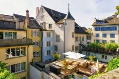 Abra o centro da cidade de Zurique do terraço da rua fotos de stock royalty free