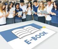 Abra o conceito gráfico de aprendizagem em linha de EBook do livro das páginas Imagem de Stock Royalty Free