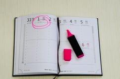 Abra o diário e o marcador imagem de stock royalty free