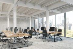 Abra o escritório com panorama das colunas Fotos de Stock