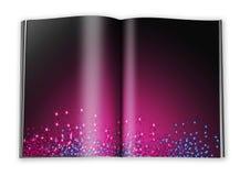 Abra o livro com páginas vazias com um papel Imagem de Stock Royalty Free