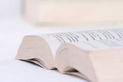 Abra o livro em uma tabela Fotografia de Stock Royalty Free