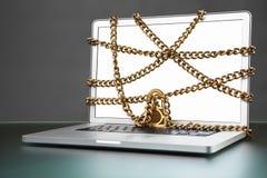 Abra o portátil com corrente e trave-o Foto de Stock Royalty Free