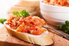 Abra o sandwiche com salada da beringela Fotos de Stock Royalty Free