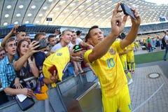 Abra a sessão de formação da equipa de futebol do nacional de Ucrânia Fotografia de Stock