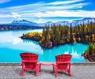 Abraham湖用绿松石水 库存图片