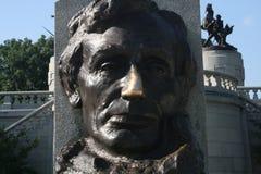 Abraham Lincoln bronsstaty fotografering för bildbyråer