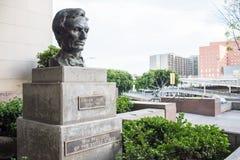 Abraham Lincoln byst i i stadens centrum LA Royaltyfri Bild