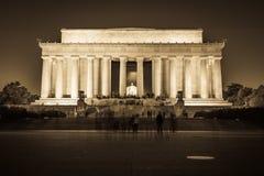 Abraham Lincoln Memorial National Mall Night solnedgångsvart och Wh Arkivbild