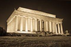 Abraham Lincoln Memorial National Mall Night solnedgångsvart och Wh Fotografering för Bildbyråer
