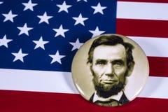 Abraham Lincoln och USA flaggan Royaltyfria Bilder