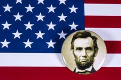 Abraham Lincoln och USA flaggan Fotografering för Bildbyråer