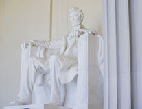 Abraham Lincoln staty på Lincoln Memorial i Washington DC - WASHINGTON, DISTRICT OF COLUMBIA - APRIL 8, 2017 Royaltyfria Bilder